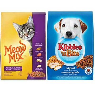With so many dog and cat foods on the market today, it can be confusing to choose the best option. However, as responsible pet owners we want to give wholesome and delicious food .