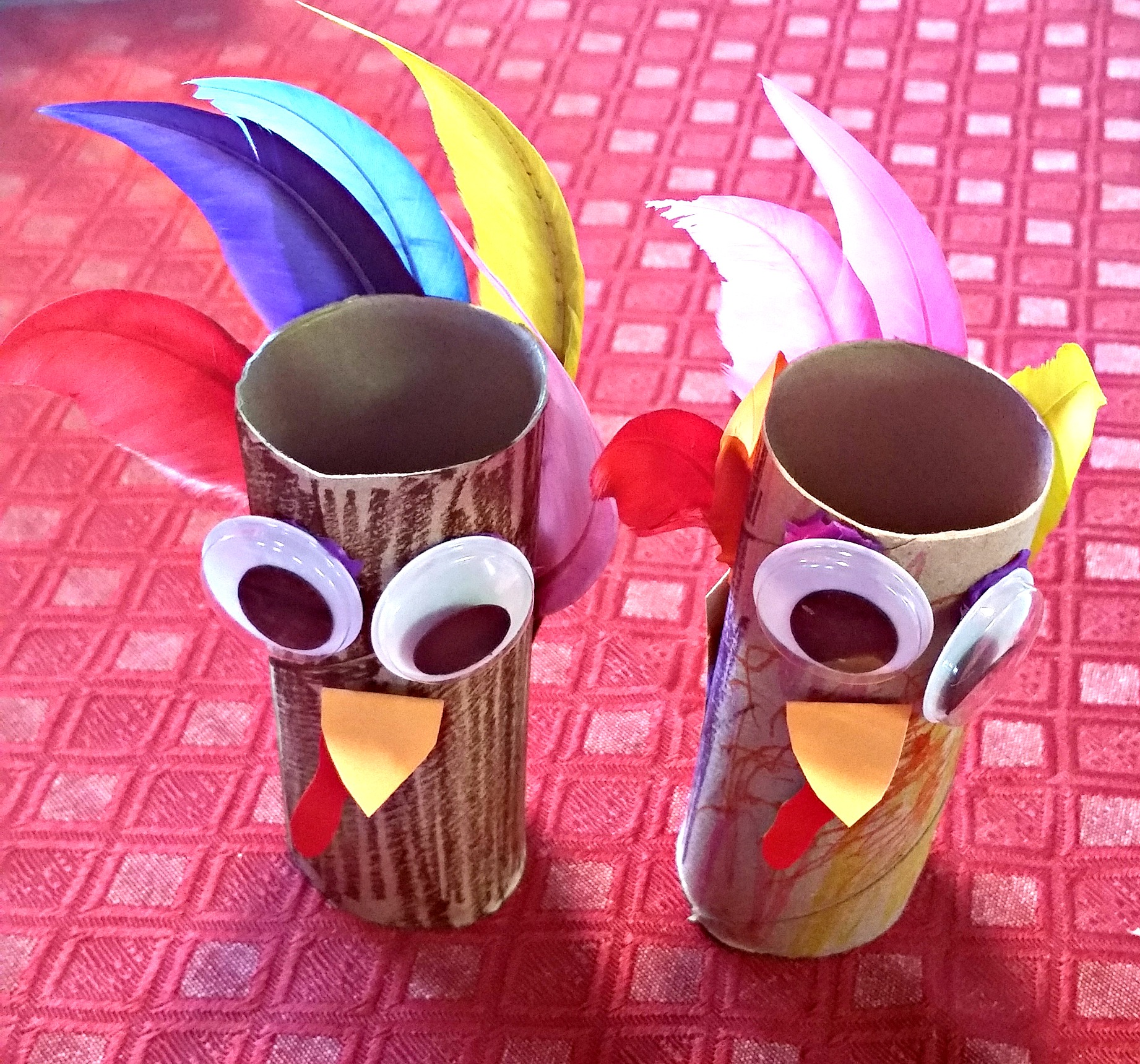 It 39 s turkey time toilet paper roll craft for Toilet paper roll crafts thanksgiving